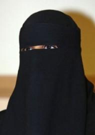 niqab et transparence le devoir. Black Bedroom Furniture Sets. Home Design Ideas