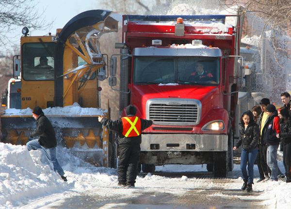 Neige dure ou folle, Montréal dit être prête