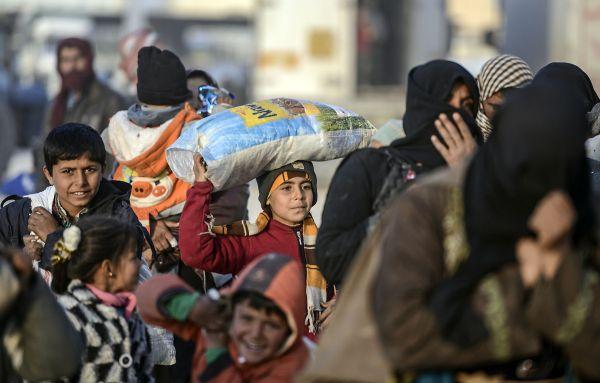 20000 Syriens bloqués à la frontière turque