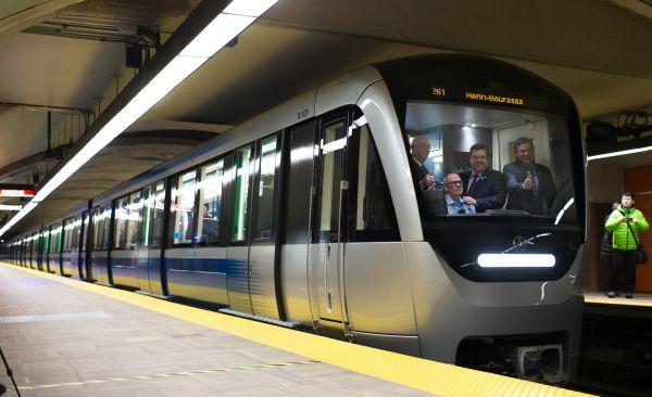 Un premier train Azur mis en service dans le métro