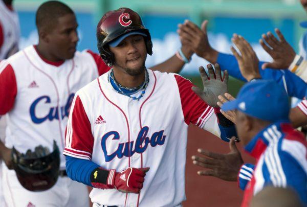 Deux joueurs cubains en vue font défection