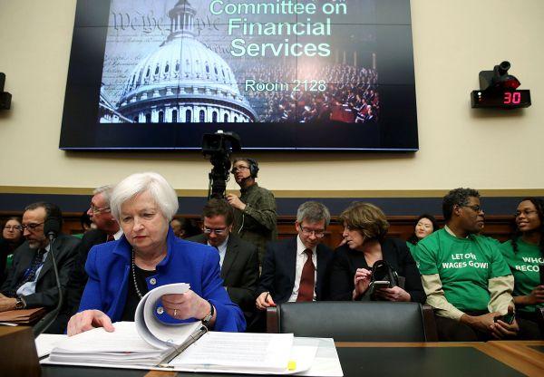 Le ralentissement de l'économie mondiale inquiète la Réserve fédérale