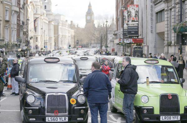 Deux milliardaires russes investissent dans Uber