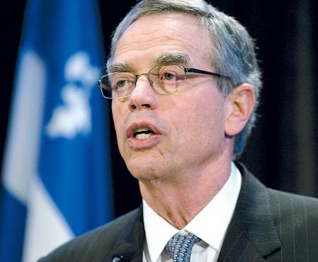 Joe Oliver: «Il y a eu des discussions dans le secteur privé à propos des possibilités de faire voyager du pétrole vers l'est du pays.»<br /> <br />