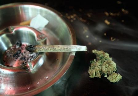 Au cours des 30 dernières années, l'interdiction de fumer de la marijuana n'a pas entraîné une réduction de la demande.