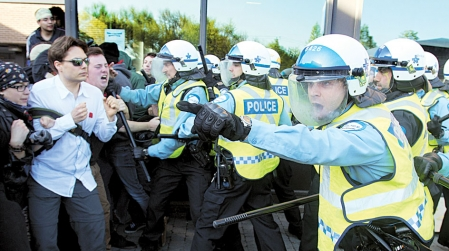 Les services policiers ont vu leurs pratiques exposées et souvent vertement critiquées lors de la crise étudiante.