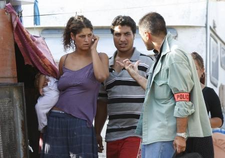 une-famille-de-roms-a-recu-hier-la-visit
