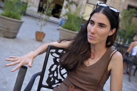 La blogueuse Yoani Sánchez a choisi, à ses risques et périls, d'oser, ce qu'Internet, dont elle n'ignore pas les vices, lui permet de faire.<br />&nbsp;&raquo; /></p> <p align=
